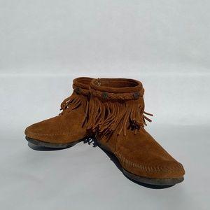 Minnetonka High Top Back Zip Boot Brown Size 6